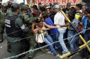 soldados-de-la-guardia-nacional-de-venezuela-en-la-frontera-con-colombia-en-urena-tachira-el-18-de-diciembre-de-2016-reuters
