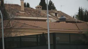 Una cámara de seguridad cerca de la casa de Bono