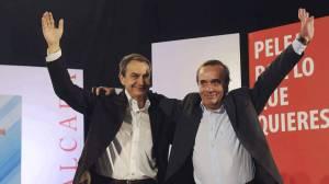 El exministro José Antonio Alonso junto a José Luis Rodríguez Zapatero.